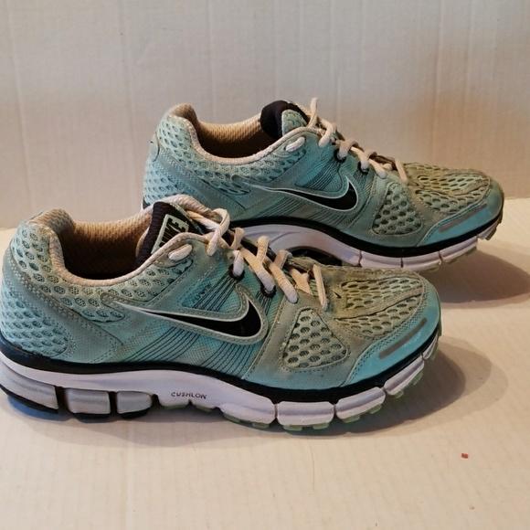 Nike Pegasus 28 Flywire women s shoes size 7. M 5aa136219d20f0921781c3dd e1de5ab95fe0